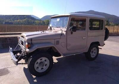 Toyota Land Cruiser BJ40  epoca
