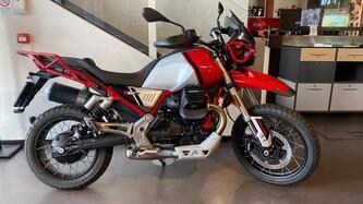 Moto Guzzi V85 TT Evocative Graphics (2021) usata